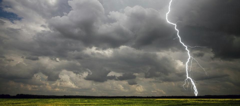 Rige un alerta por lluvias y tormentas en el noreste del país