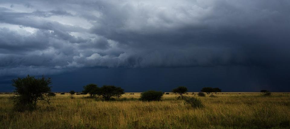 Rige un alerta por tormentas fuertes en el centro del país