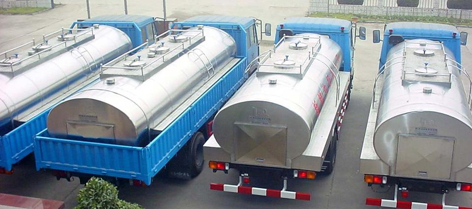camiones-lecheros-960