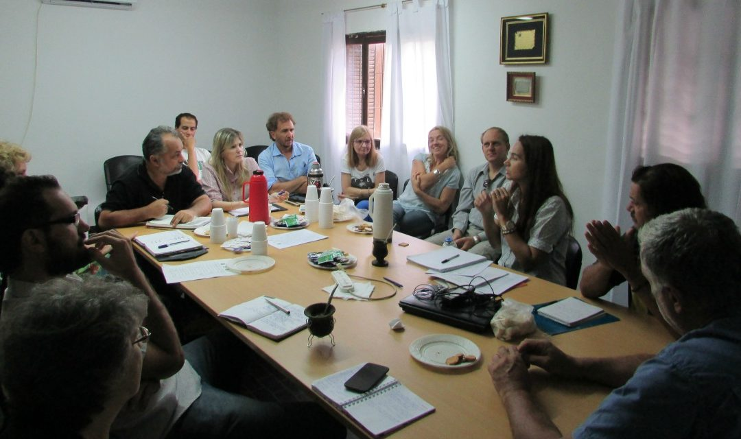 Santa Fe construye una red de viveros oficiales y privados
