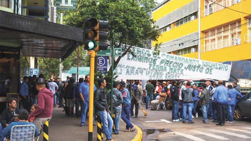 Directivos del INYM reciben hoy a yerbateros tras las protestas del fin de semana