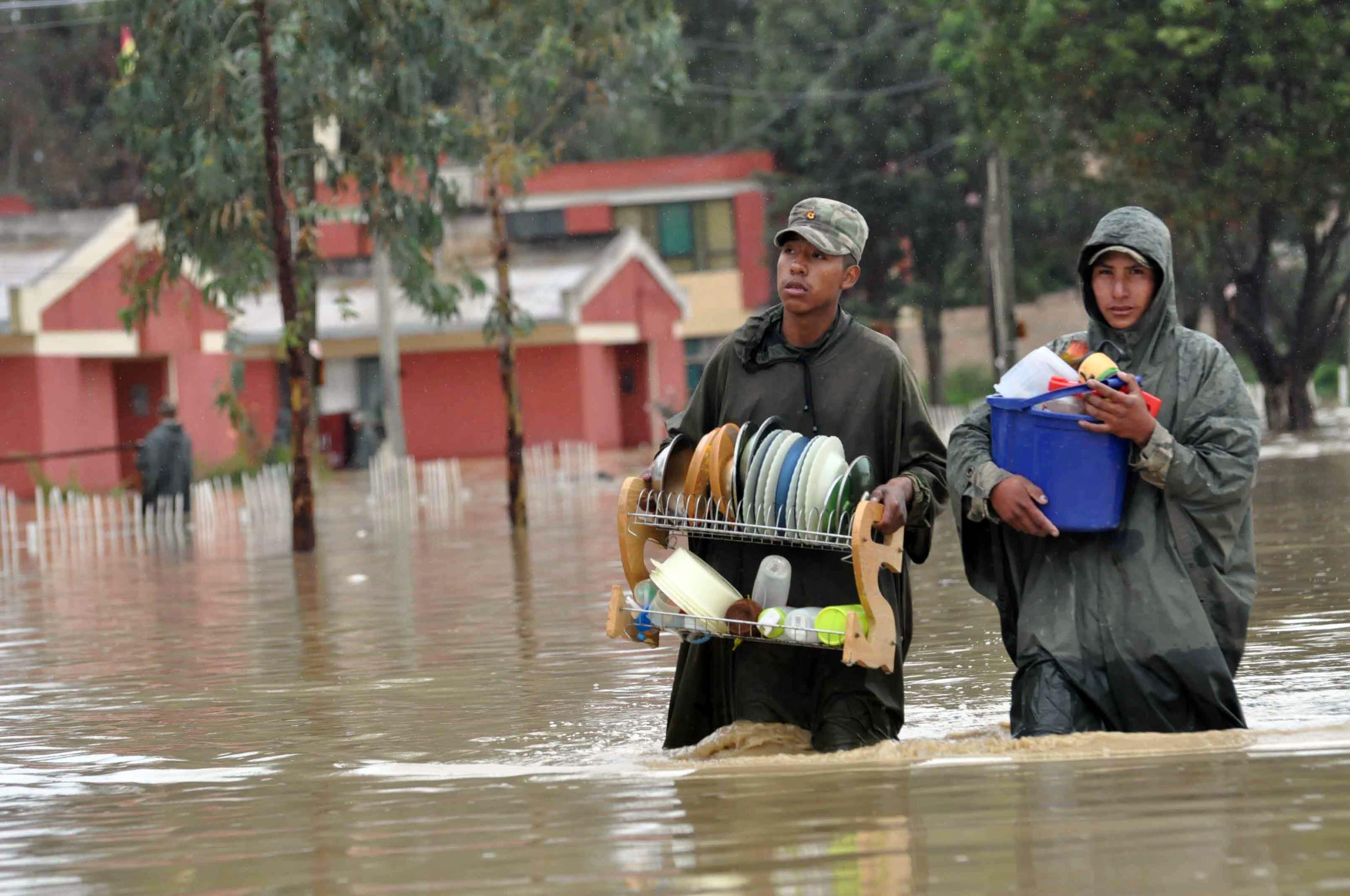 Bolivia: declararon la emergencia tras las inundaciones que afectaron a 300  familias | Infocampo