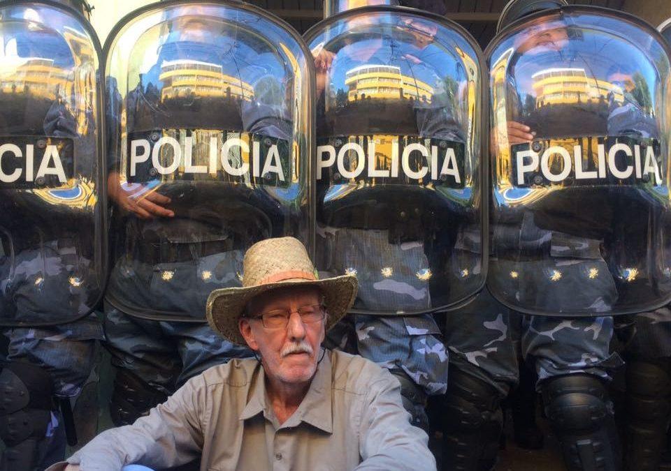 Yerbateros siguen acampando en la sede del INYM en Posadas