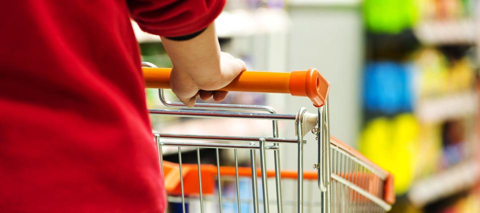 La facturación de los supermercados y shopping en marzo creció por debajo de la inflación