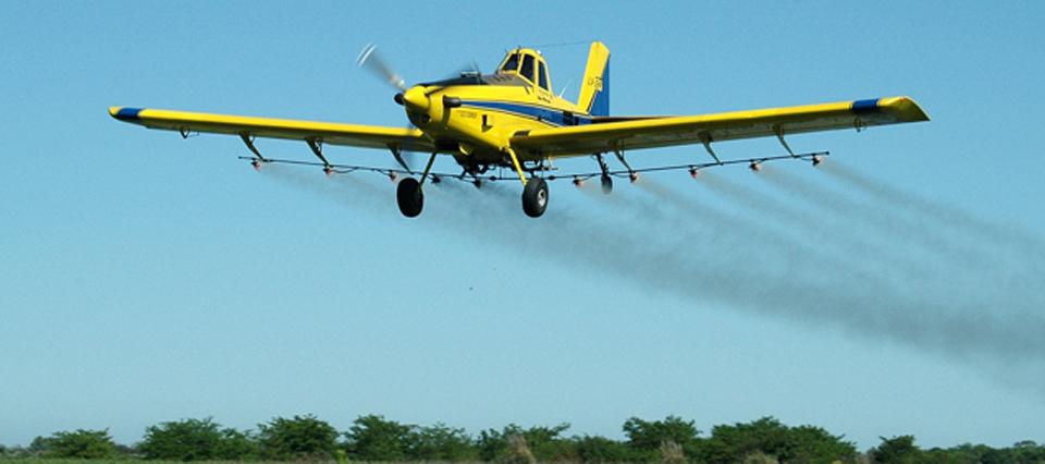 avion pulverizador 960