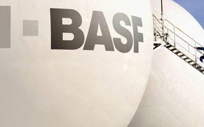 BASF firmó un acuerdo para adquirir un negocio de Bayer