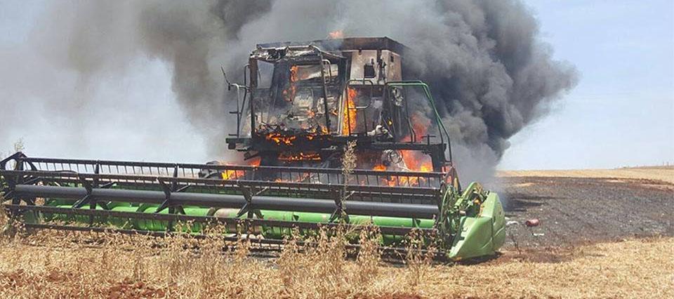 cosechadora incendiada 960