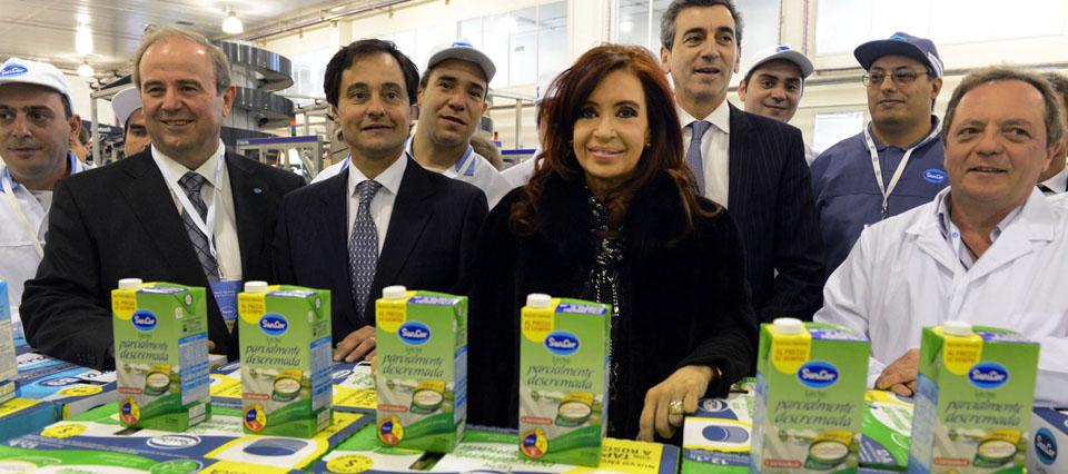 Télam Chivilcoy 17/09/2013.- Cristina Fernández de Kirchner destacó hoy el crecimiento del poder adquisitivo de los trabajadores en los últimos años, de la mano de la reindustrialización y la inversión en educación, al inaugurar obras de la empresa SanCor en Chivilcoy. Foto: Presidencia/Télam/dsl