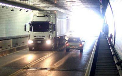 tunel subfluvial camion
