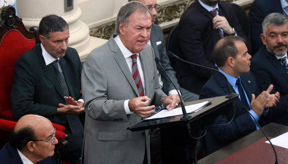 Schiaretti impulsará una ley para adherir al uso de bitrenes