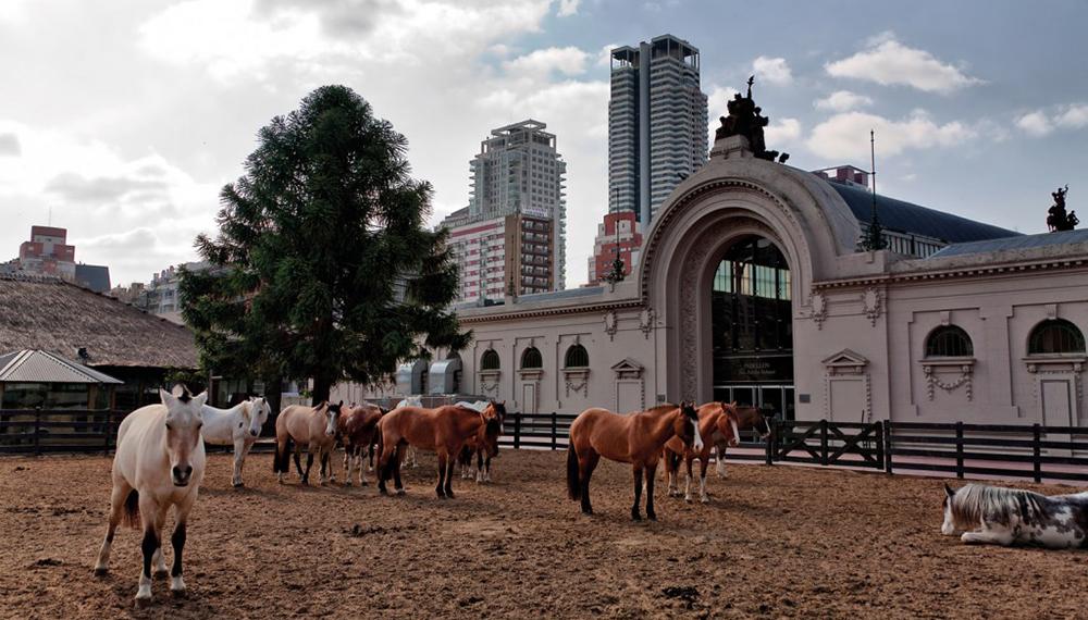 Menem y Cavallo recibieron la condena — La Rural