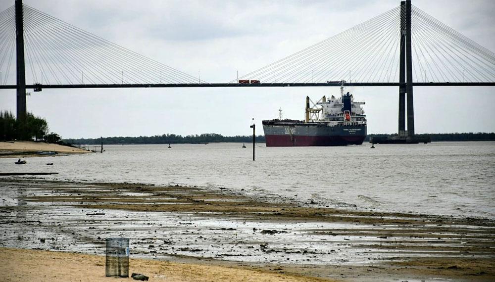 El río Paraná sigue bajando, aunque aún no llegó a niveles récord ...