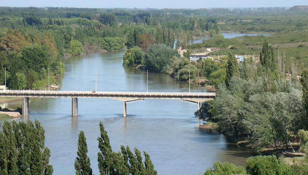 puente sobre el rio colorado