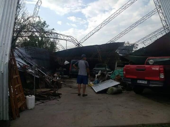 galpón destruido por tornado