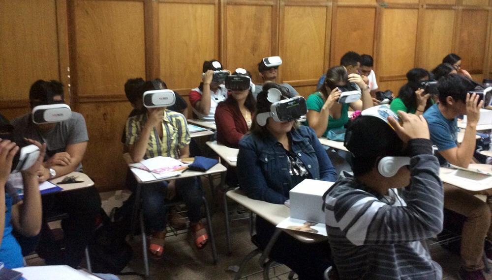 clase alumnos realidad virtual