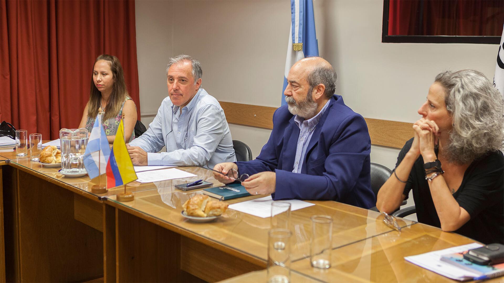 auditores colombianos y argentinos