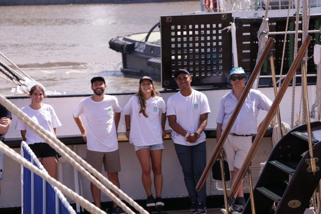 estudiantes de la fauba en la fragata sagres