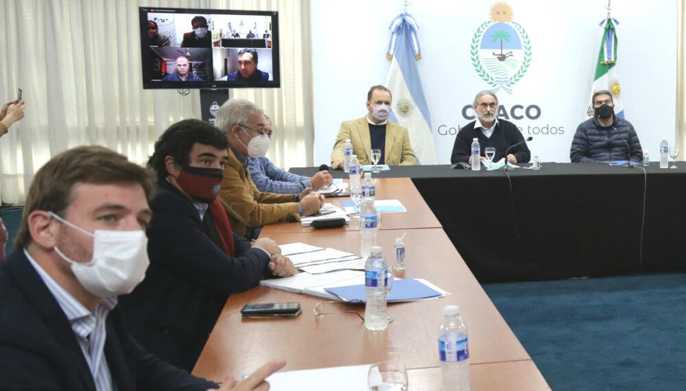 El ministro Basterra, en Chaco, presentando el Plan Ganadero