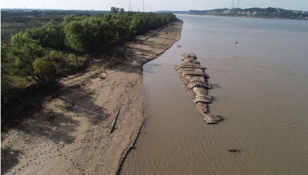 Leve subida del Paraná