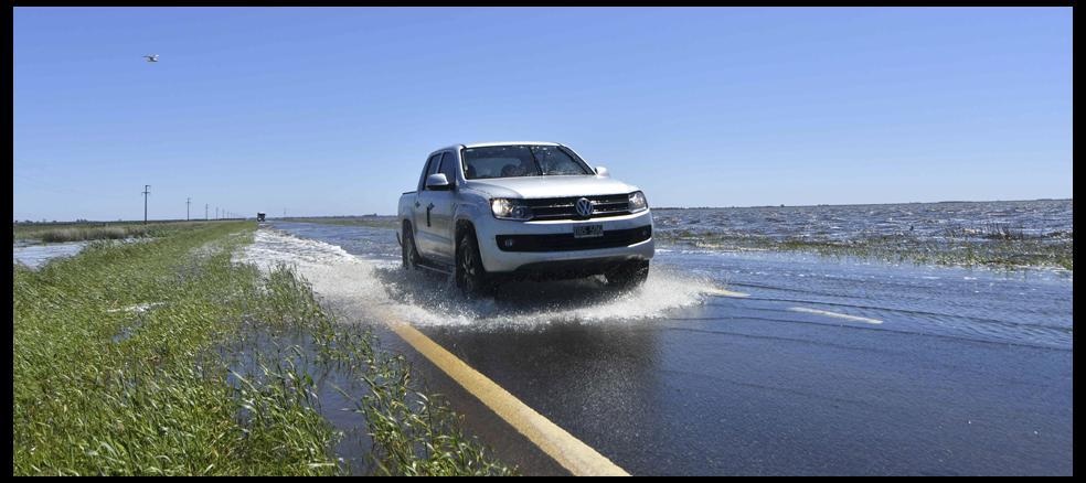 i26502-general-villegas-inundaciones-campo-960